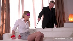 Blindfold & hard whip strokes make submissive Linda Leclaire scream & cream GP254 small screenshot