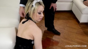 Domina Kendra Star penetrates Chessie Kay with giant strap-on in threesome GP600 small screenshot