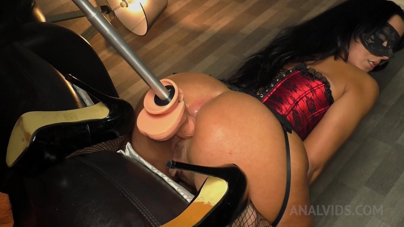 LegalPorno - Queen Eugenia - More anal massage for the stretched rectum of Queen Eugenia QE020