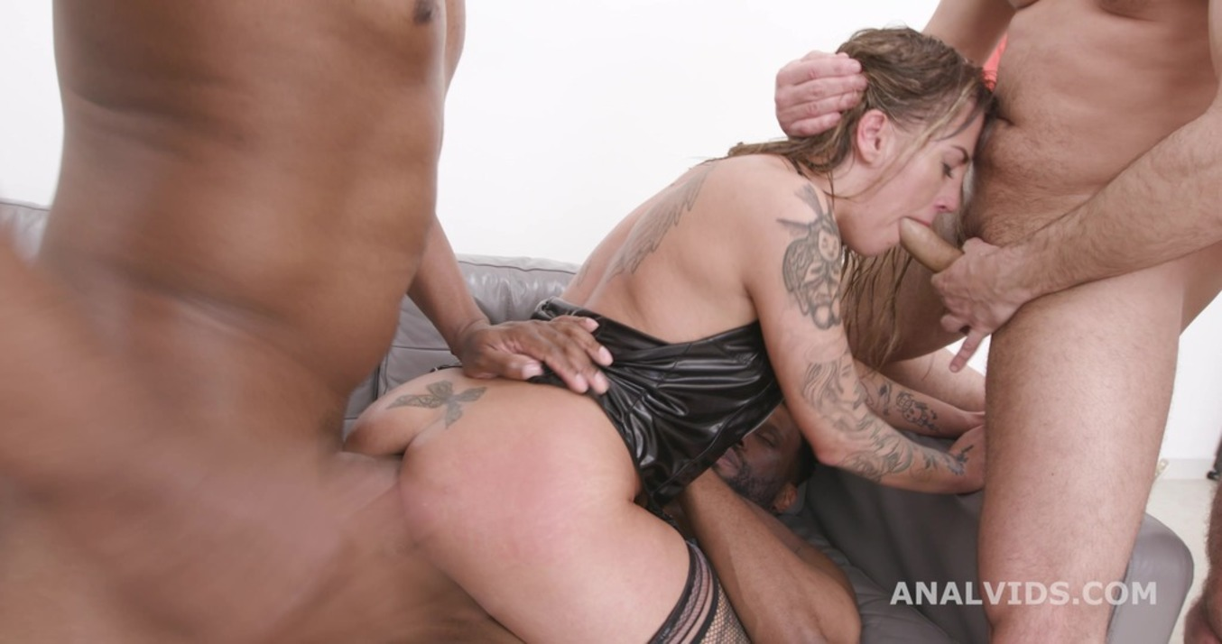 LegalPorno - Giorgio Grandi - Silvia Dellai 4on1 with Balls Deep Anal, DAP, Gapes and Swallow GIO1825